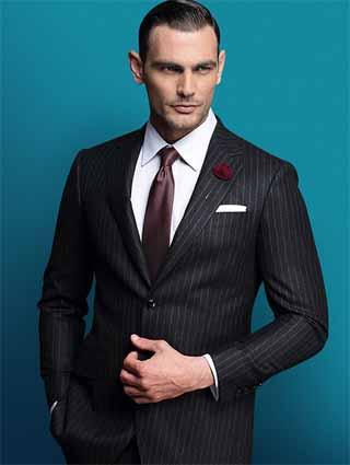 条纹西服搭配领带