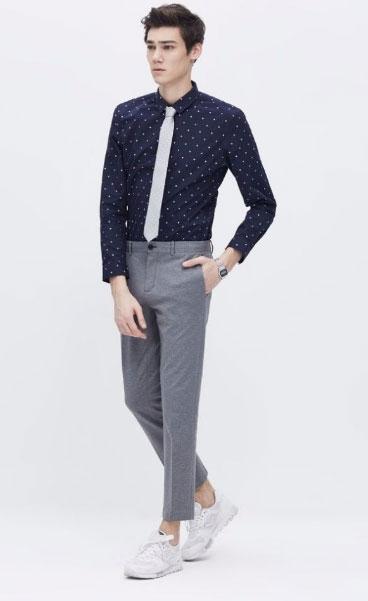 男士九分牛仔裤搭配_西装裤可以配小白鞋吗-深圳莱特西装衬衣定做厂家