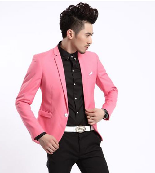 男生粉红色西服