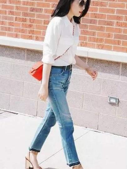 女士衬衫搭配牛仔裤