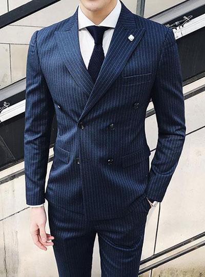 双排扣西装配什么衬衫